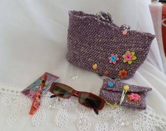 Handbag for little girl and her accessories