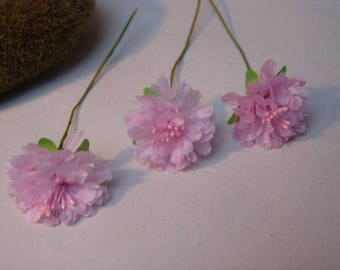 3 flowers - pale pink 3cm in diameter