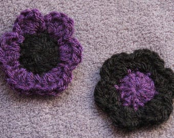 Flower pin crochet purple and black