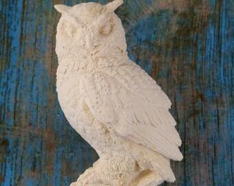 OWL on stump figurine detailed feathers
