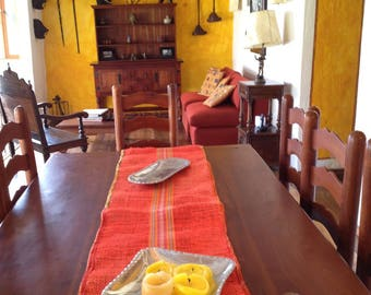 AUTUMN COLORS: BURLAP TABLE RUNNERS
