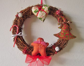 Large Christmas wreath with gingerbread spices