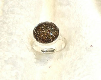 Ring cabochon with Brown beads