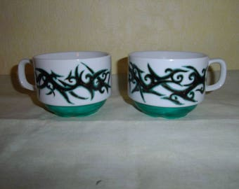 2 cups painted porcelain 'Aveno' black and green pattern