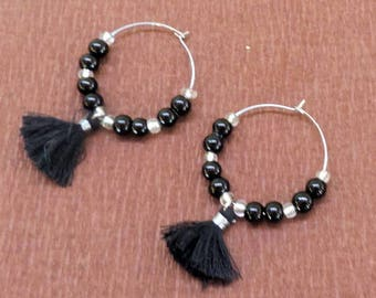 Hoop earrings with pearls and black tassel