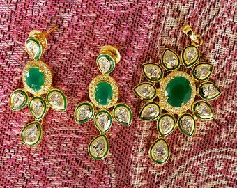 Gold Tone Pendant Set Featuring Green Stone & Kundan | Indian Jewelry | Bollywood Jewelry
