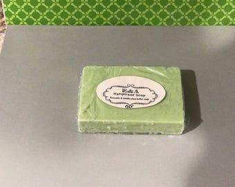 Avocado & vanilla shea butter soap 4oz