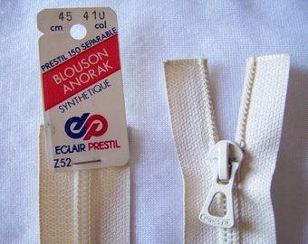 White nylon zipper is broken (Z52/58-410)
