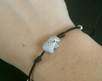 Round small thin elephant bracelet