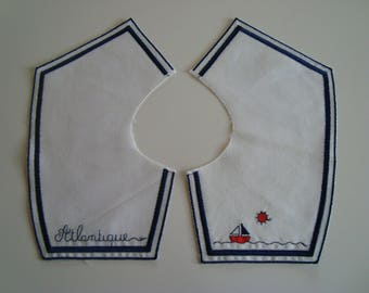 "Sailor collar in white cotton with thin Navy Blue embroidery pattern ""Atlantic"" and boat"