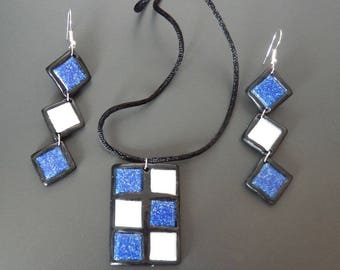 Set mosaic blue and white glass and polymer clay