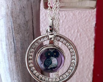 Necklace long pendant with Rhinestones and snaps owls