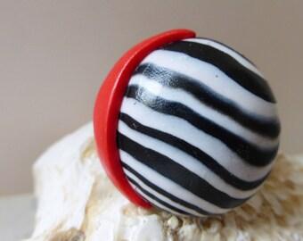 Red white black round nautical ring