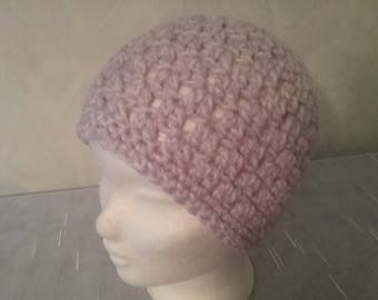 Summer-Beanie / hat with luiftigem mesh pattern, pastel purple