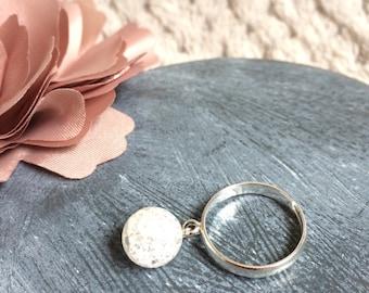 Broken white Crystal silver ring