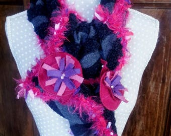 Red/pink ruffled scarf
