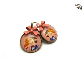 Love retro bow glass dome earrings