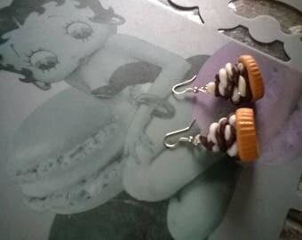 Chocolate vanilla cupcake-shaped earrings
