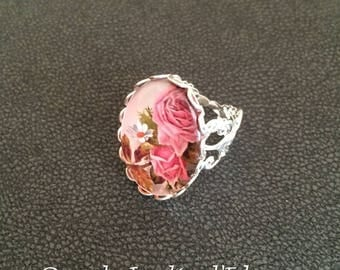 "Ring ""as a bouquet of old roses"""