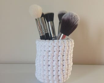 Hand crocheted pot, violet and white