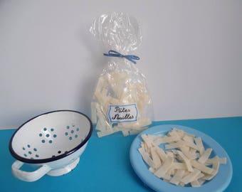 Pasta noodles felt for dinette