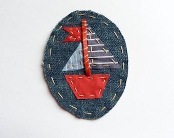 """""""My little boat"""" brooch"""