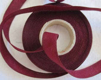 extra strong Burgundy Ribbon with 2 meters long and 1.5 cm in height