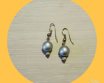 earring with silver bead