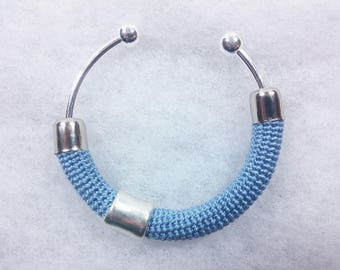 Bangle in Lisle's crochet worked ++ Matitie light blue ++