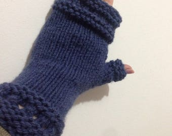 Knitted woman mittens color Navy