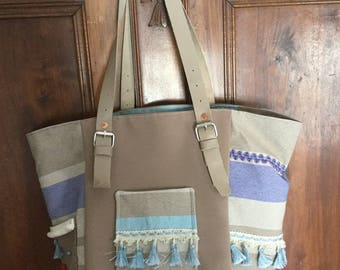 Medium Tote with stripes and tassels