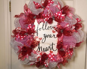 Valentine wreath, Valentines wreath, Valentine mesh wreath, Valentines mesh wreath, Valentine door wreath Valentine decor, Wreath