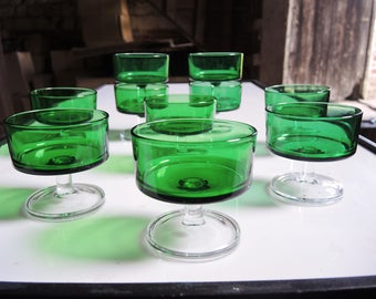Green Champagne glasses - Vintage 70's Style.