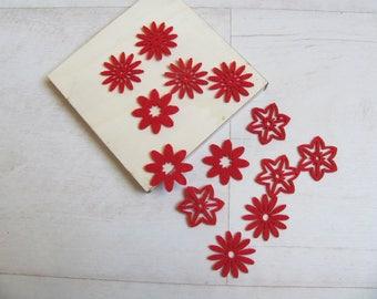 Set of 13 felt red flowers
