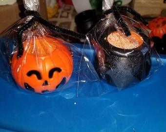 Pumpkin or Calderon foaming  bath bomb