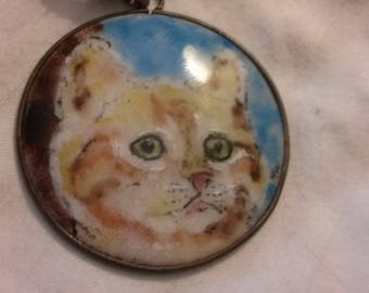 Cat lovers enameled pendant