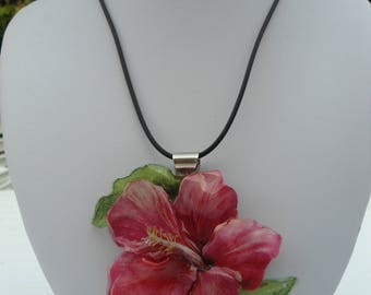 Pink 3D hibiscus necklace