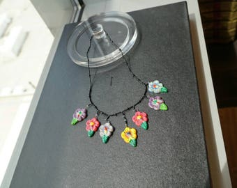 1970s Black floral beaded hand painted necklace