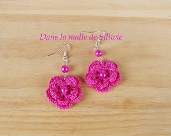 earrings with pink fuchsia flowers crochet and Pearl glass beads