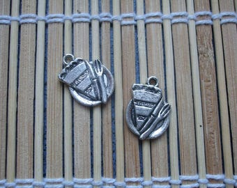 2 pie charms in silver