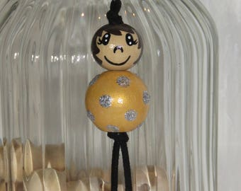 "Keychain doll with wooden beads, bag charm, gold color ""balls of smiles"" entirely hand painted and customizable"