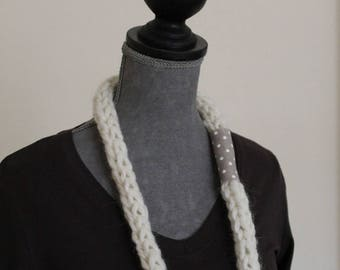 Wool felt necklace made of knitting with your fingers