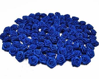 20 skulls rose in dark blue satin 1.5 cm in diameter