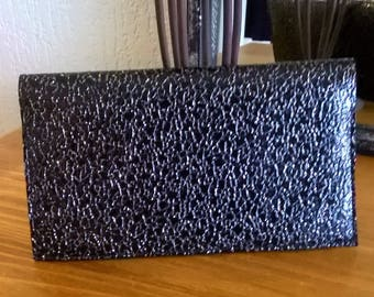 DOOR CHECKBOOK glittery faux leather black
