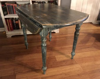 Rustic Farmhouse Style Distressed Drop Leaf Table With Turned Legs