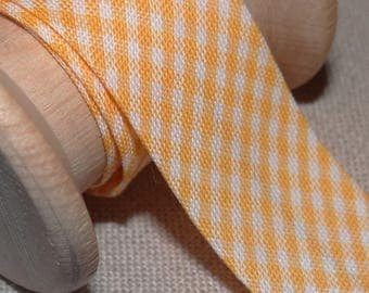 Through yellow and white gingham, width 20 mm