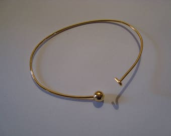 Set of two gold bangles