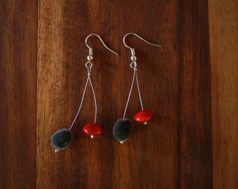 Earrings in zanzibar seeds and seeds of the Church