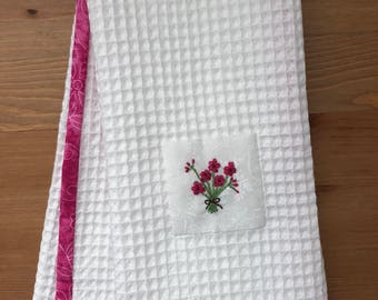 Handmade hand towel with bouquet of flowers motif hand-embroidered by Apples N' Thyme