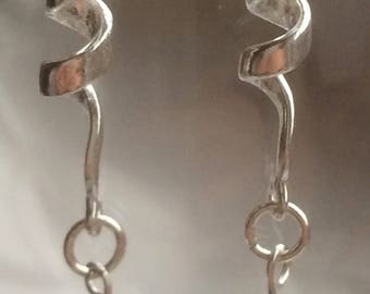 Twirling ribbon earrings